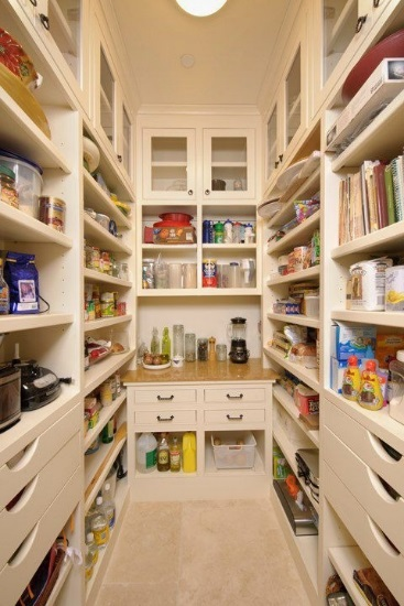 My WAHM Plan: An organized pantry #weeklychoreprompt