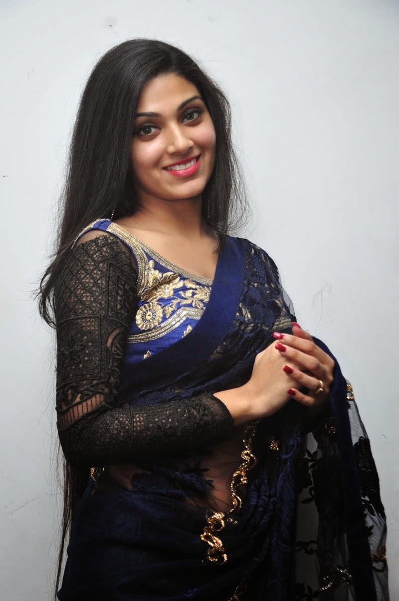 Avanthika glamorous photos in saree-HQ-Photo-3
