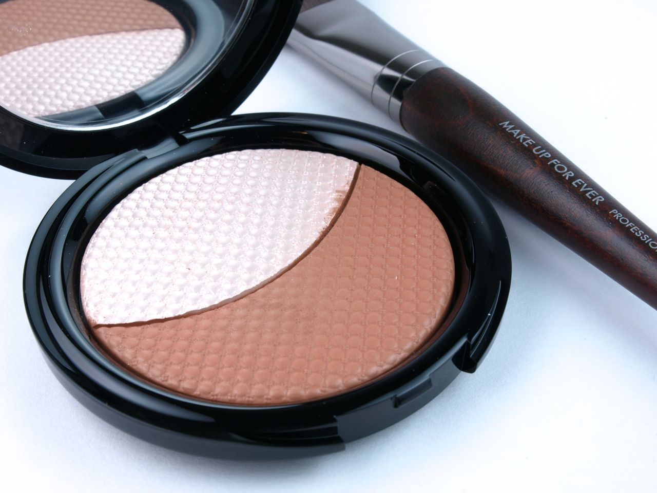 "Make Up For Ever Pro Sculpting Duo Powder in ""#1 Pink Beige"": Review and Swatches"