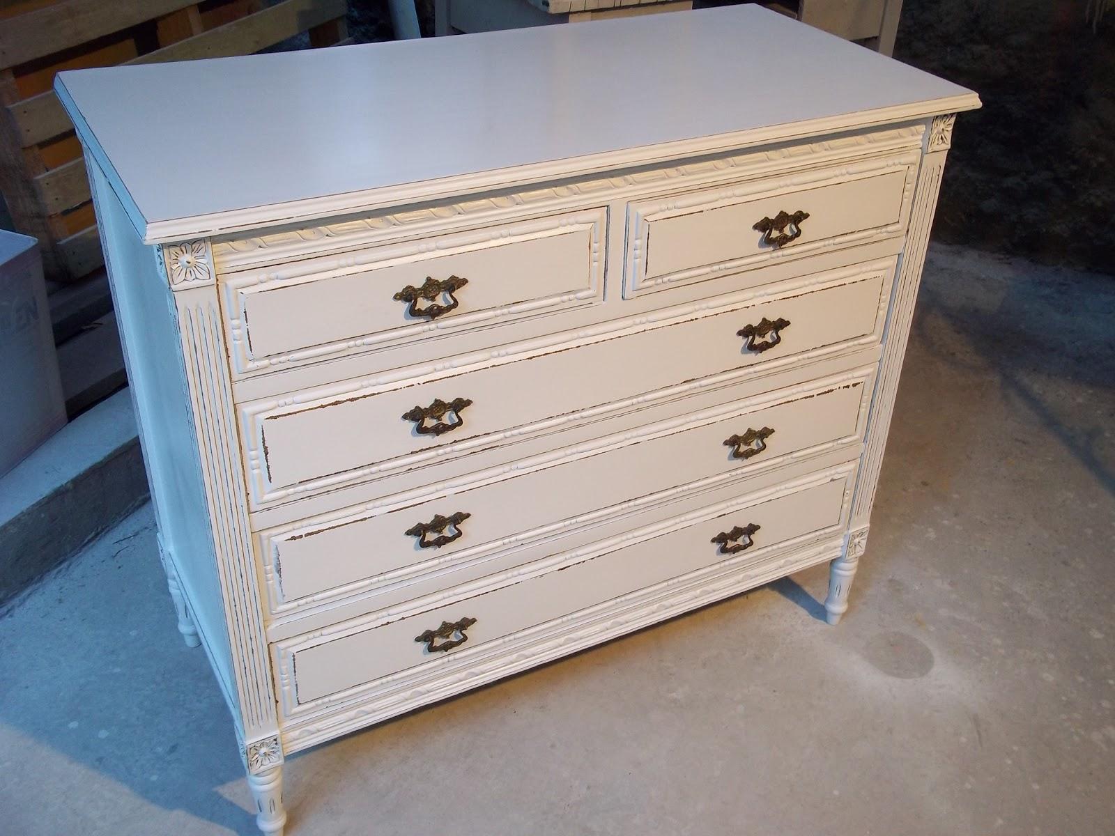 Comodas antiguas restauradas fotos excellent muebles for Fotos muebles reciclados