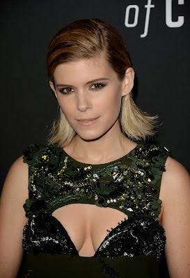 Kate Mara Flashes Cleavage At House Of Cards Season 2 Screening
