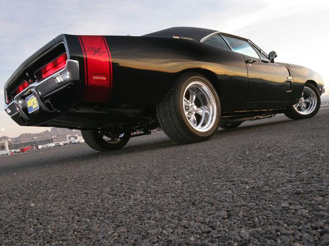 Envie d'un blog automobile [Nouvel article F40] 1969+Dodge+Charger+Pro+Touring-Rear+Right+View