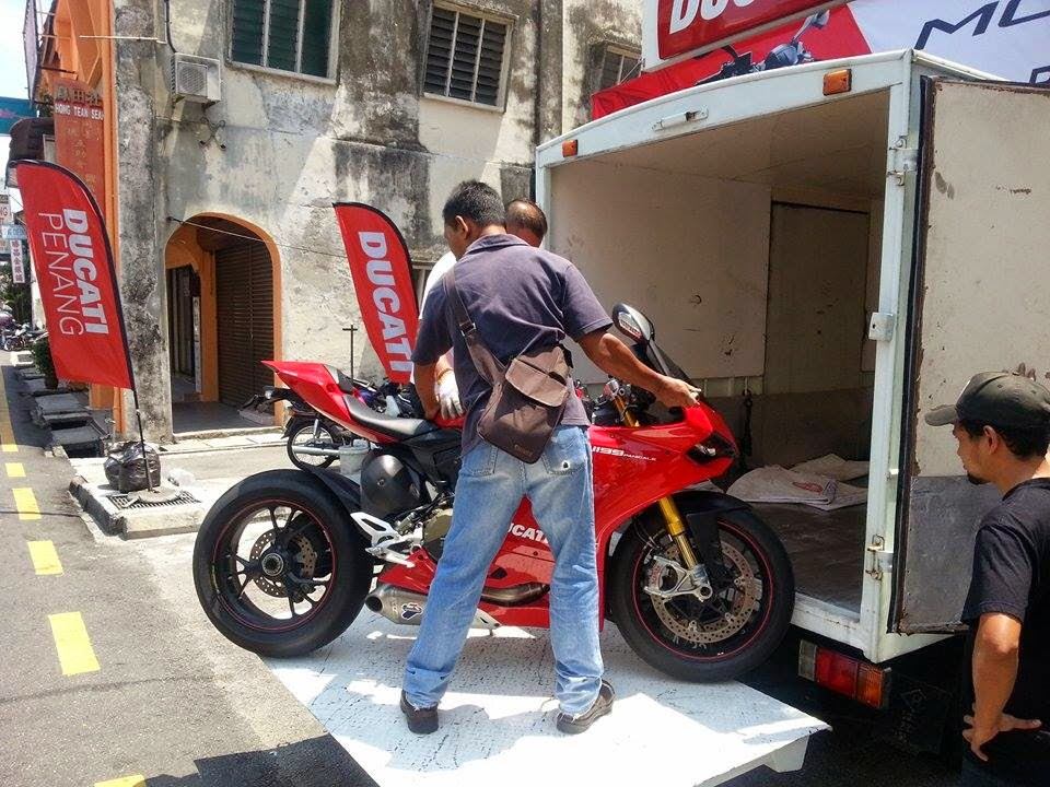Towing Motorcycles Moto Aid Services Mal Bike Towing In Penang