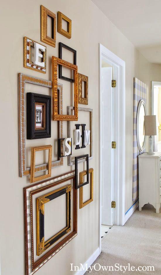 Icono Interiorismo: Decorar una pared con marcos vacíos