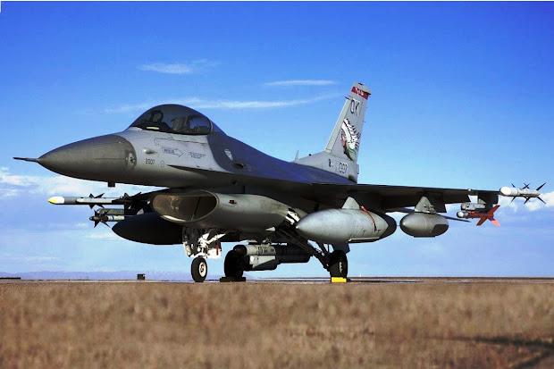 F-16 Fighting Falcon (Gambar 1). PROKIMAL ONLINE Kotabumi Lampung Utara