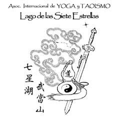 """Escuela dirigida por Maestro Fernando Liuzzi (Vasudeva) junto al Retiro """"Lago de las 7 Estrellas""""."""