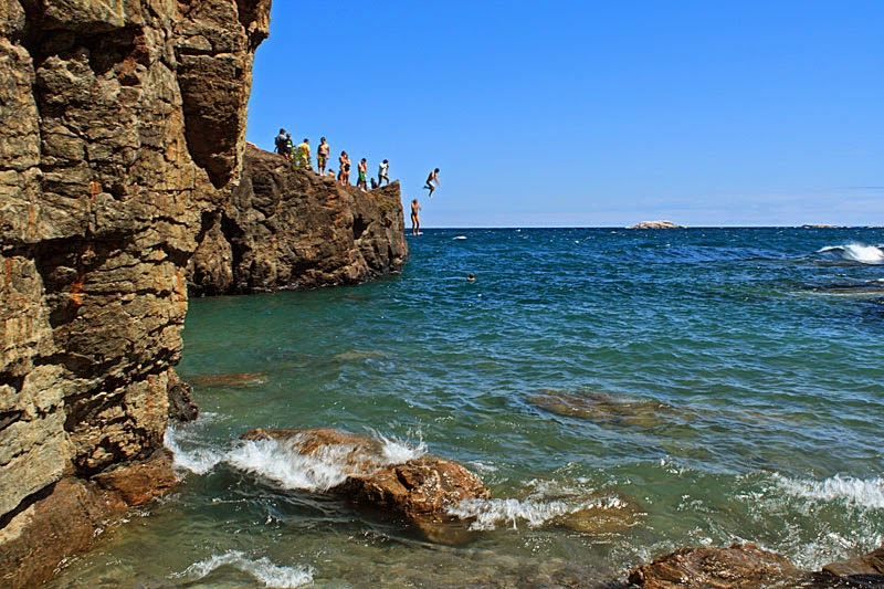 Lake Superior Cliff Diving