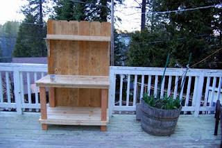 Wood potting bench