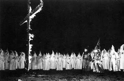 a history of the american hate group the ku klux klan Ku klux klan, either of two distinct us hate organizations that have employed terror in pursuit of their white supremacist agenda one group was founded immediately after the civil war and lasted until the 1870s the other began in 1915 and has continued to the present.