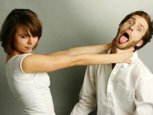 man hate woman - مواقف إذا فعلتها خطيبتك او حبيبتك.... لا تتزوجها - امرأة تخنق رجل