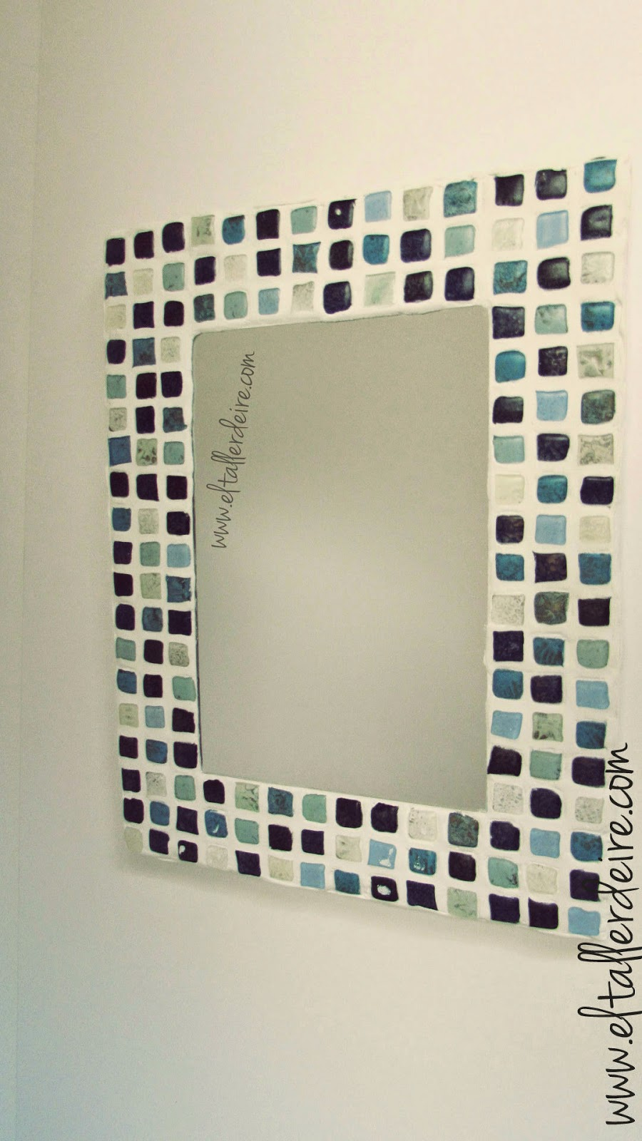 c mo hacer un espejo con mosaico el taller de ire On espejos mosaicos como hacerlos