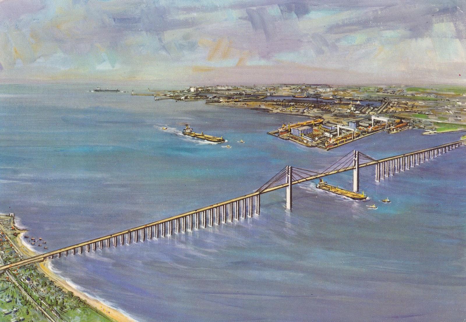 Saint nazaire reconstruction d 39 une ville st nazaire pont for Piscine st nazaire