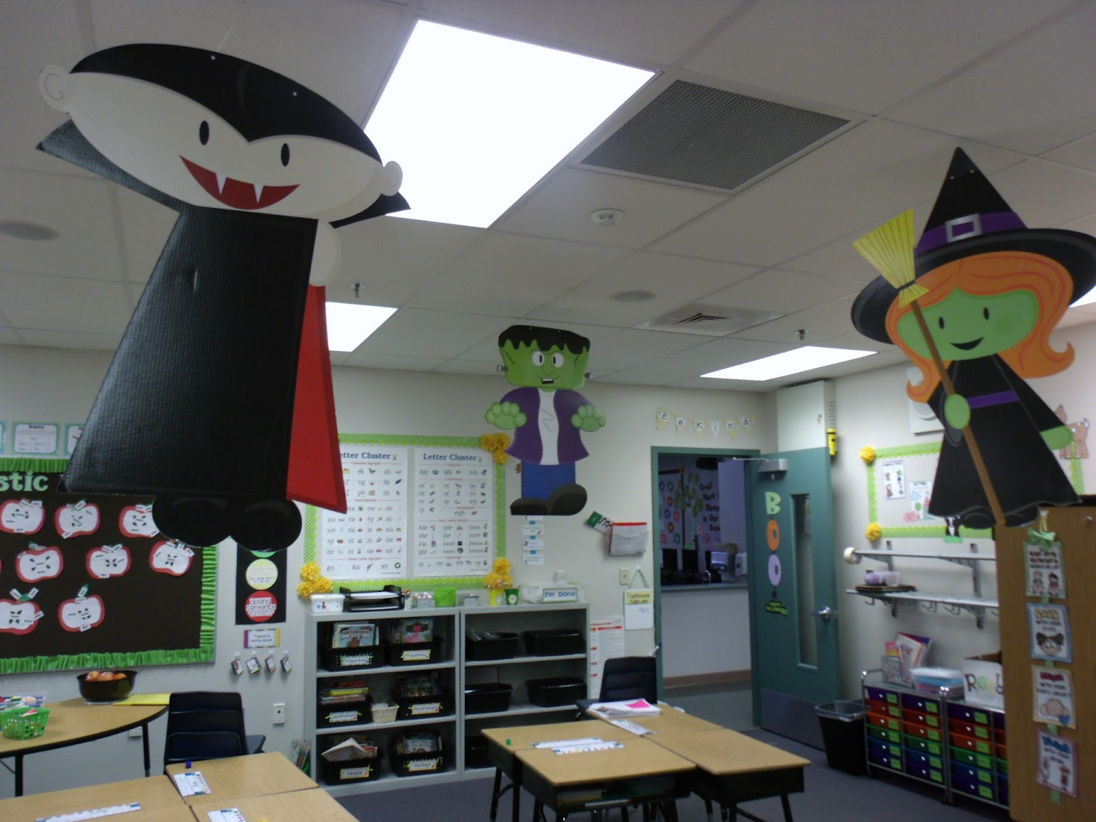 Classroom Halloween Decor ~ Halloween classroom door decoration