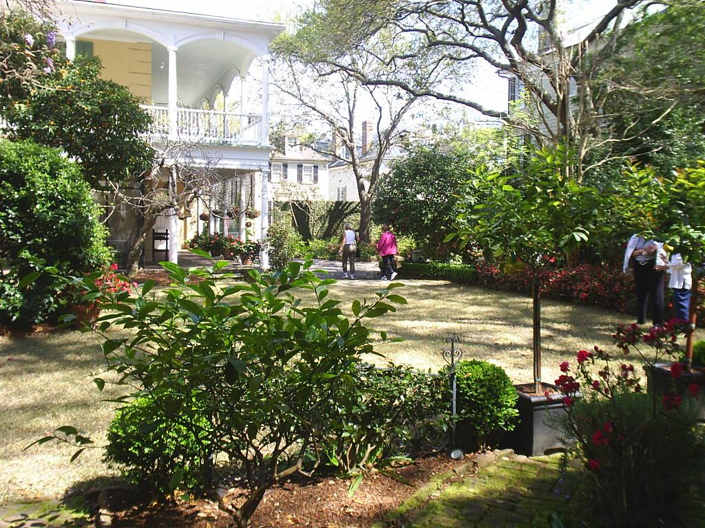 Thomas Rose House Garden The Design Of Loutrell Briggs