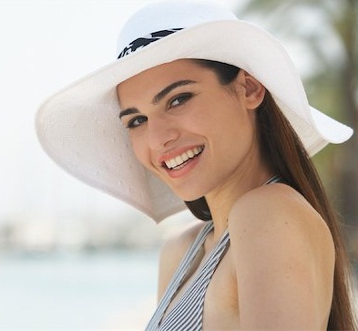 LATEST ALL FUN THINGS: Stylish Hats For -Colors-Cotton ... Stylish Cool Girl With Hat