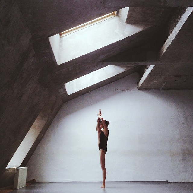 russian ballerina stretching