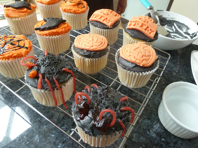 Halloween Cupcakes www.howtomakecakes.co.uk