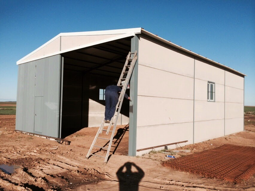 Naves peque as desde 100 m2 uso ganadero agr cola nave for Precio cobertizos prefabricados