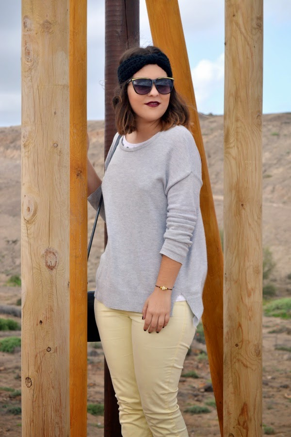 look_turbante_como_combinar_pantalon_amarillo_lolalolailo_02