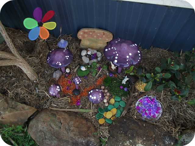 Easy Toddler Fairy Garden via Mummy Musings and Mayhem