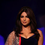 Priyanka Chopra Flaunts Awesome Cleavage At The Manish Malhotra Fashion Show
