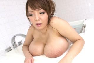 bath hitomi tanaka