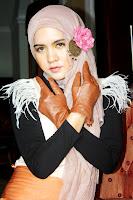Memakai Jilbab Ala Artis