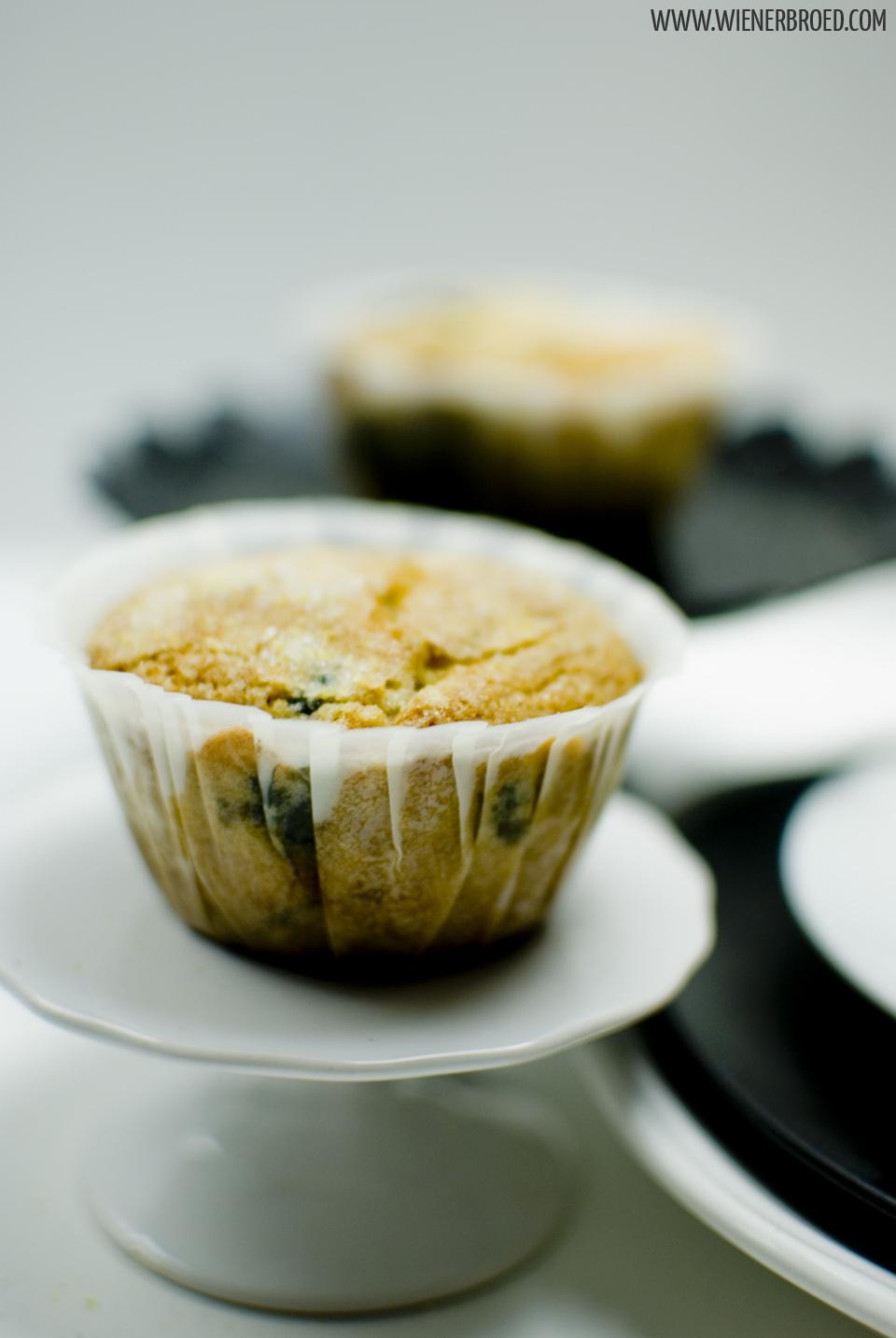 Blaubeer-Muffins / Blueberry muffins [wienerbroed.com]