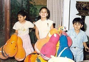 kareena kapoor childhood image with ranbir kapoor
