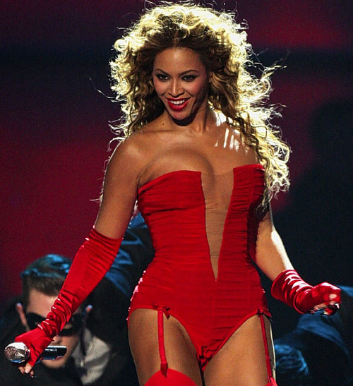 Here are some of her finest moments in photo form, Beyonce, i heart you.
