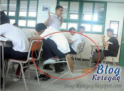 imej lucu pelajar duduk atas kerusi