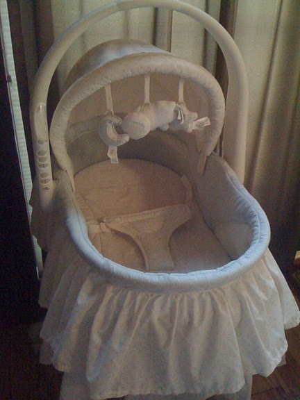 Bassinet First Years8