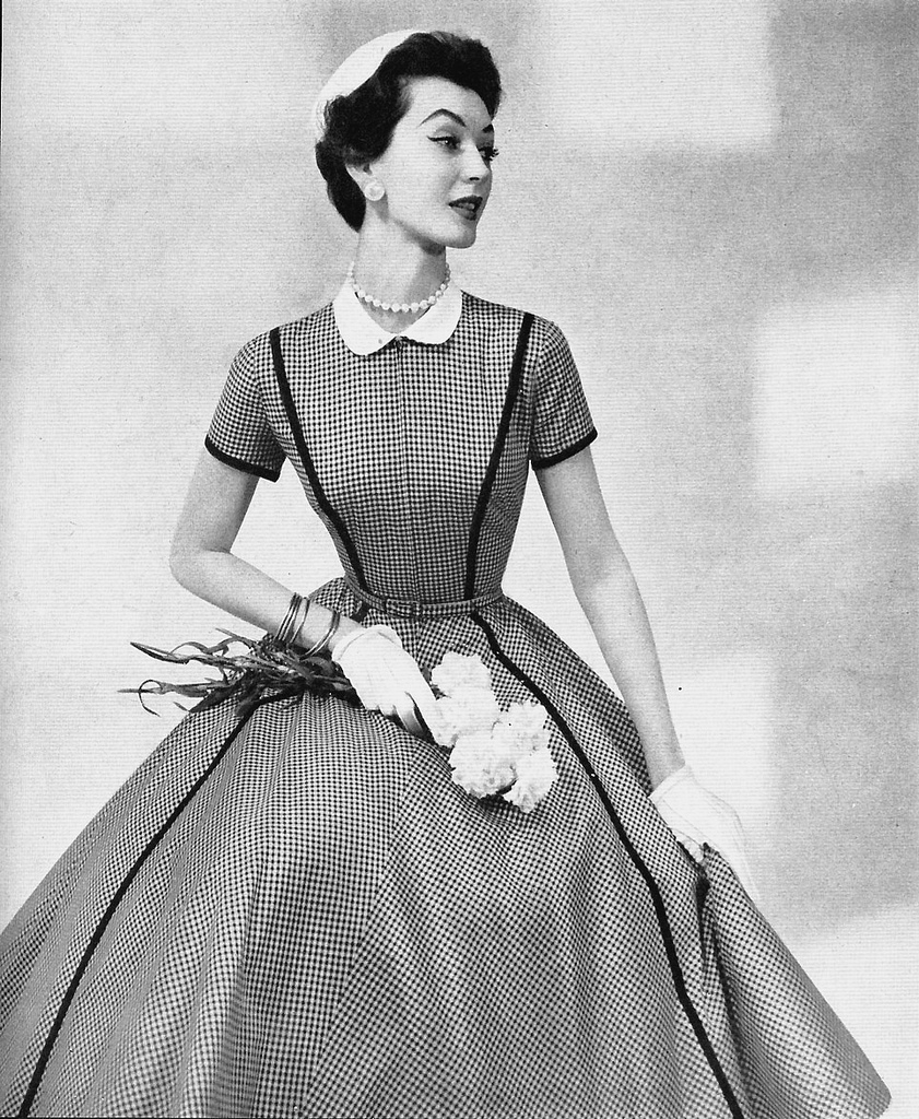 Christy your ultimate damsel 1950s fashion for Classic 50s housewife