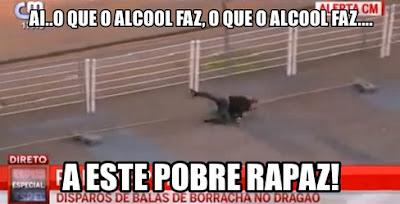 Adepto bêbado cai sozinho enquanto foge da polícia antes do FC Porto - Sporting