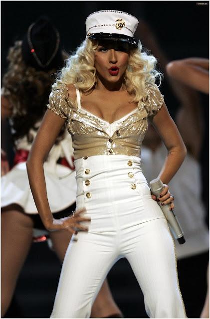 Pictures of Christina Aguilera 08