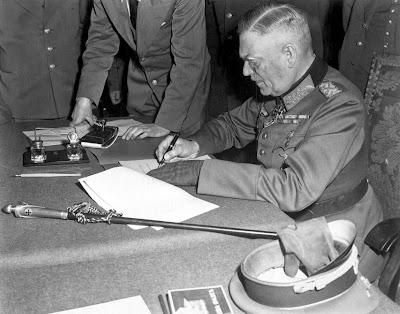 http://2.bp.blogspot.com/-MC-qg-wFg80/U2eADK0mBSI/AAAAAAAAN9c/ikFI0qpWcW0/s1600/Field+Marshall+Wilhelm+Keitel+signing+the+unconditional+surrender+of+the+German+Wehrmacht+at+the+Soviet+headquarters+in+Karlshorst,+Berlin+on+8+May+1945..jpg