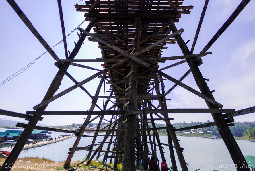 สะพานอุตตมานุสรณ์ (สะพานมอญ) กาญจนบุรี