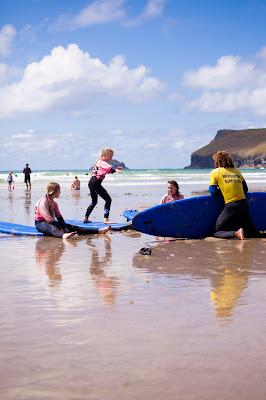 Surf lessons in North Cornwall with Wavehunters