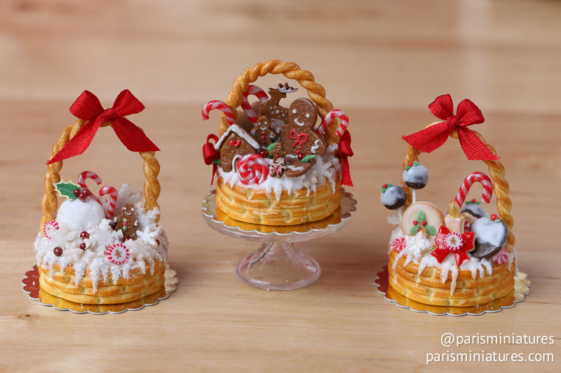 Miniature Food - Christmas basket cakes