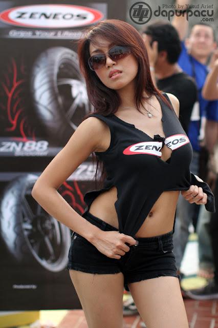 Foto Model Ban Zeneos - IRC