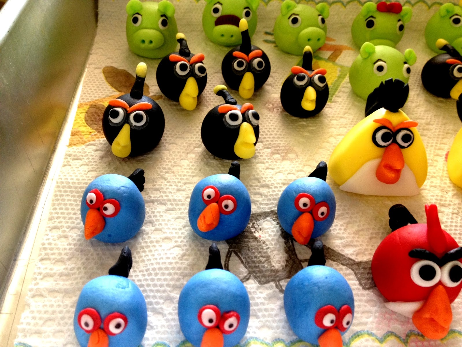 The angry birds project fondant toppers the for Birds project