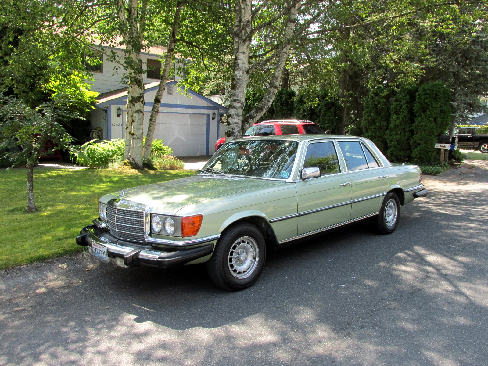 Seattle 39 s classics 1980 mercedes benz 300sd for 1980s mercedes benz