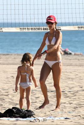 Alessandra Ambrosio, Model, Alessandra Ambrosio bikini, Malibu Beach, Malibu Beach, Malibu Beach TRavel, Malibu cheap travel tour, Malibu cheap travel tour