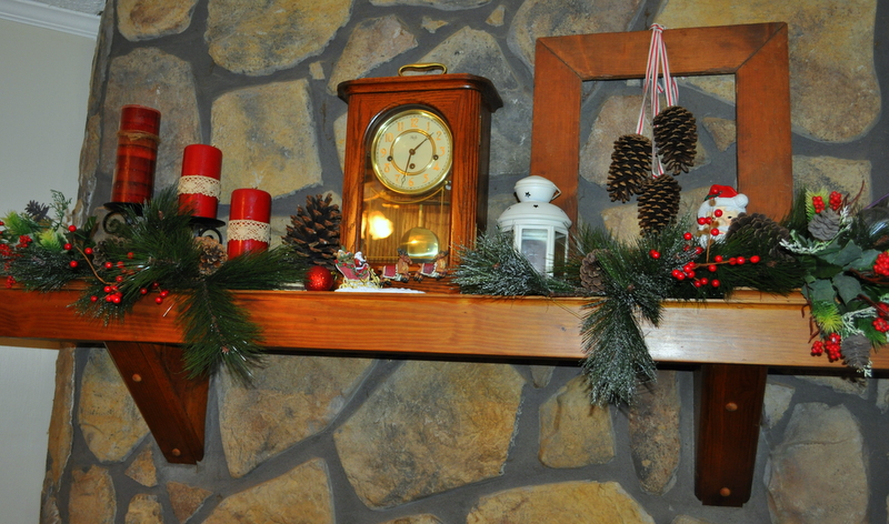 rustic country christmas mantel