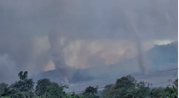 Spectacular Volcano's Eruption Created Tornadoes