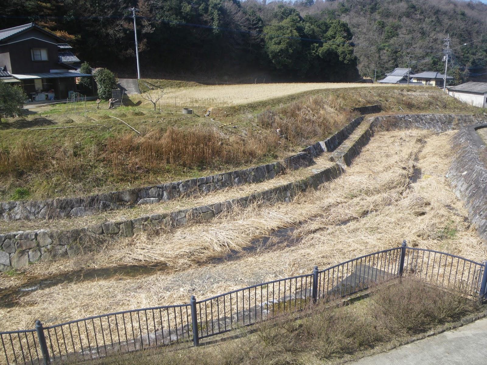 讃岐 香川用水散歩 そのⅠ;三豊市の東西分水口から西部幹線水路を終点の観音寺市の姥ヶ懐池まで