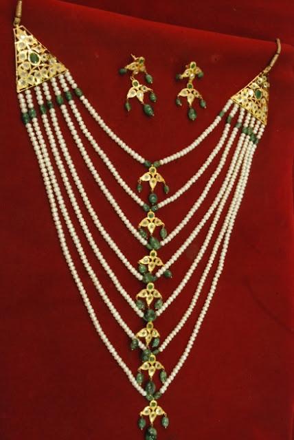 Satalda Necklace
