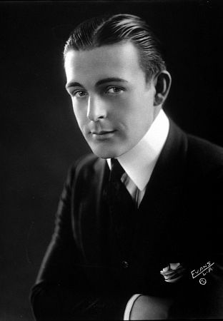 Antiques Collectibles Auto Racing on Fountainhead Antique Auto Museum  Wallace Reid   His Mcfarlan