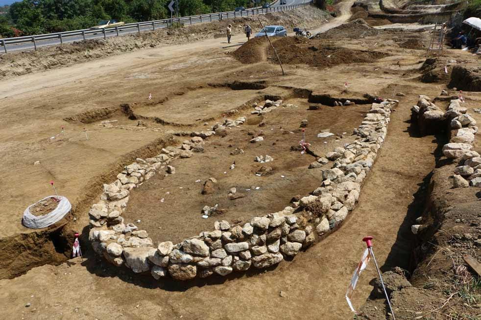 Αρχαίο κτίριο ταξίδεψε στην εθνική οδό