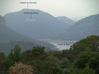 Vista del Pantà de Sau i de l'Hostal de la Riba des de la casa La Bufia